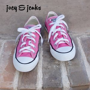Converse Pink Canvas Sneaker Tennis Shoes Size 6
